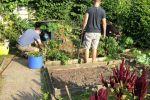 2018 Ouders helpen in de tuin (1)